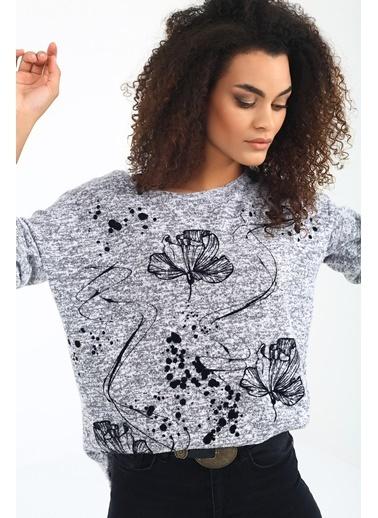 Emjey Çiçek Baskılı Salaş Bluz Gri